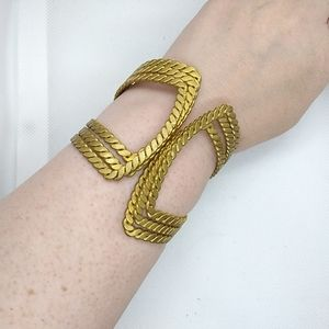 Jewelry - Gold Tone Braided Rope Clamper Bracelet Hinged